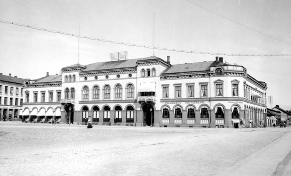 Drammens Børs før 1909. Arkivfoto.